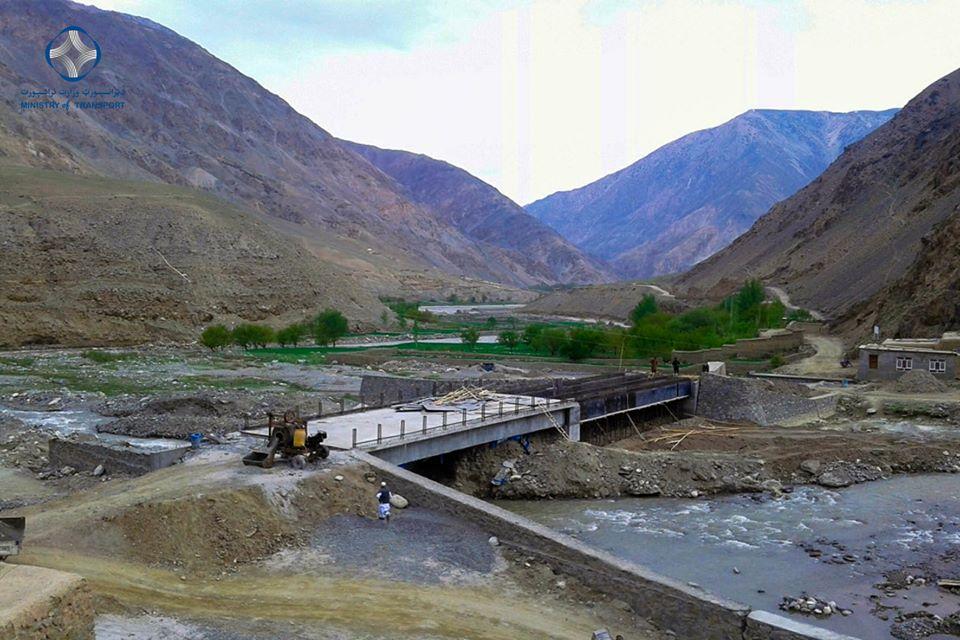 ساختمان پل دهن غارو ولایت بغلان 85 فیصد پیشرفت کاری دارد